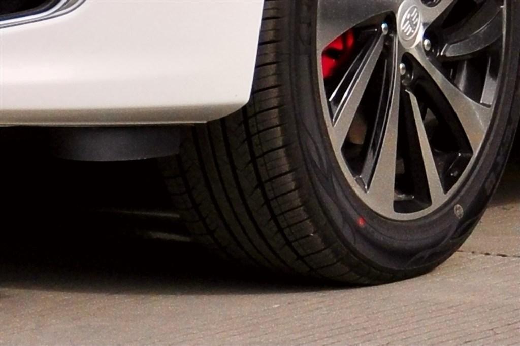 奔腾b70轮胎花纹